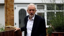 Jeremy Corbyn's close aides will accept no-deal Brexit and 'don't give a toss' about Labour members' views, says Margaret Beckett