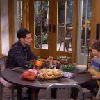 The Neighborhood - Welcome to Thanksgiving (Sneak Peek 3)