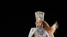Beyoncé estrenó cinco nuevos looks Balmain para Coachella