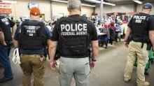'Don't open the door': US activists organize to thwart ICE