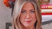 La curiosa imagen que Jennifer Aniston compartió luego de su rutina de yoga