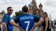 Franceses torcem por goleada na final da Copa, mas temem novo azar