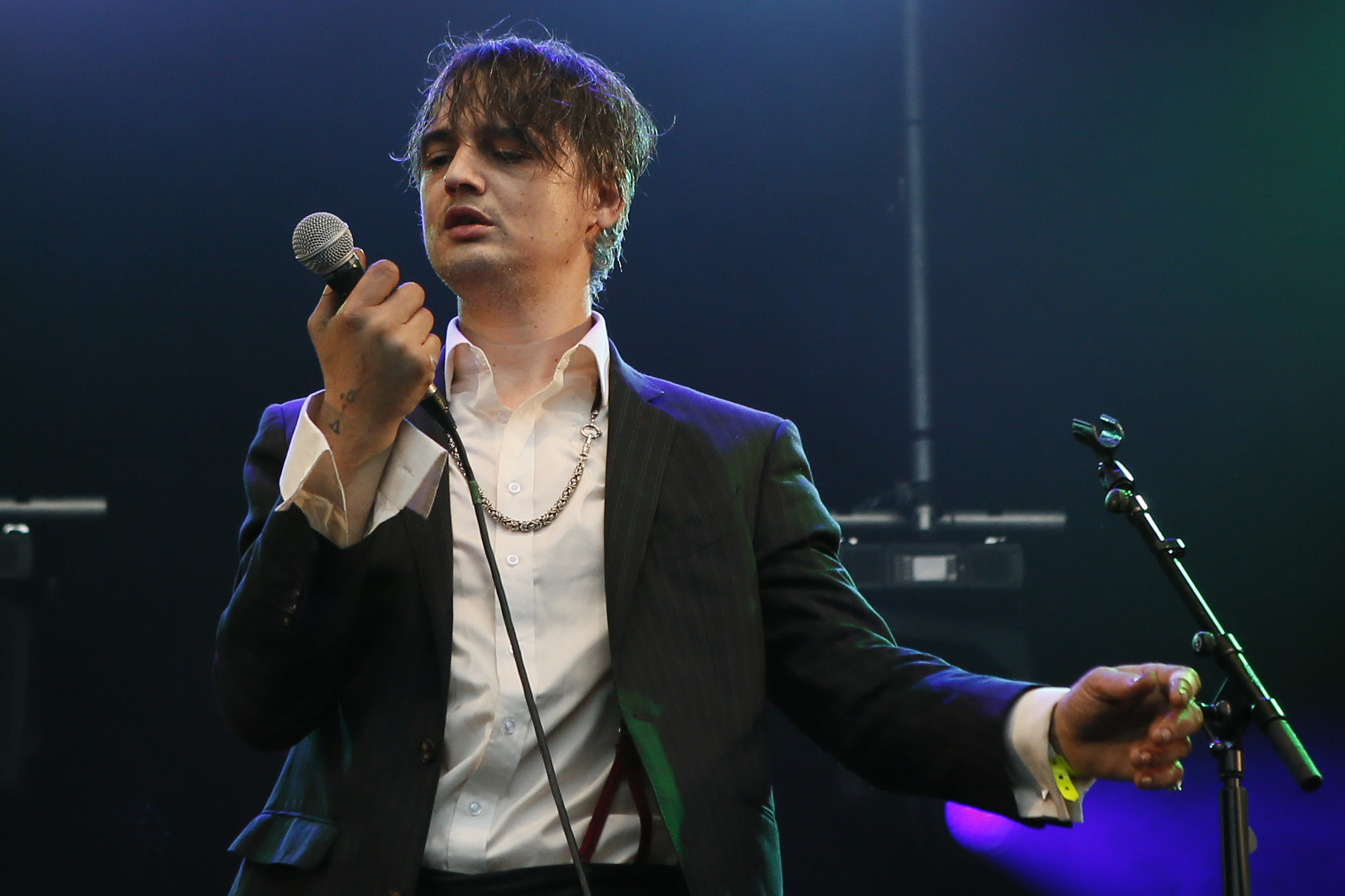 Pete Doherty arrested in France amid drug sale allegations