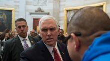 Vice presidente Usa Pence è arrivato al Cairo