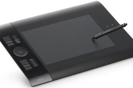 Wacom Intuos4 succumbs to peer pressure, goes wireless