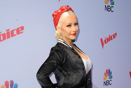 Christina Aguilera is shooting a movie with pink hair and we have so many questions