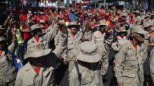 El chavismo muestra músculo mientras la oposición falla en las calles