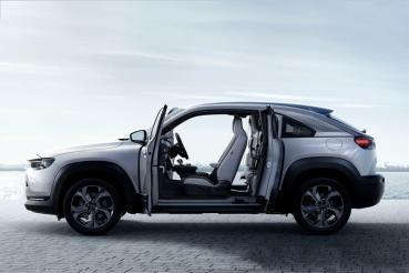 Mazda MX-30 e-Skyactiv G輕油電日本上市