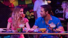 """Freundschaft plus an Feiertagen: So bezaubernd ist Emma Roberts in der Rom-Com """"Holidate"""""""