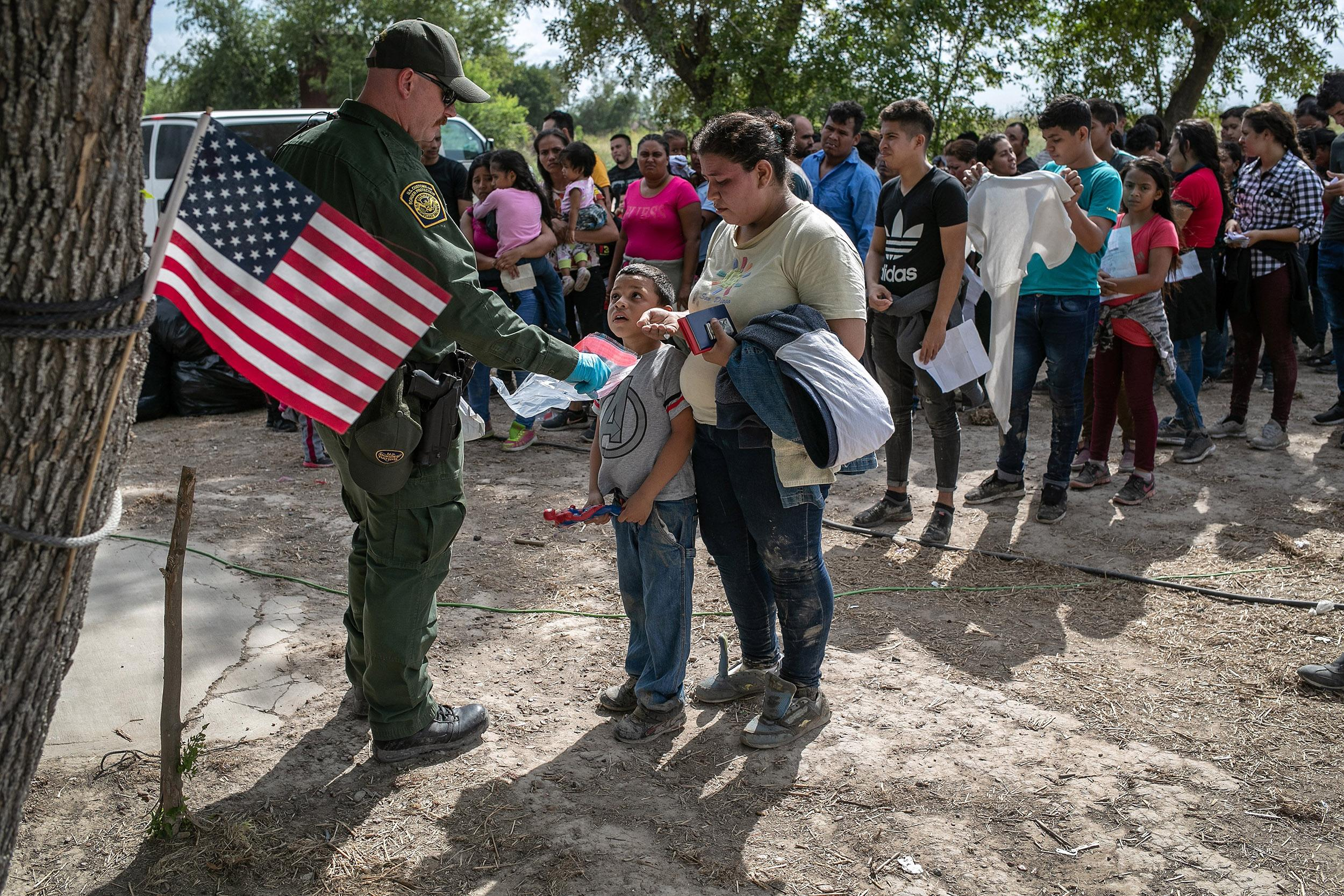 New Trump admin proposal would make it harder for immigrants to claim asylum in U.S.
