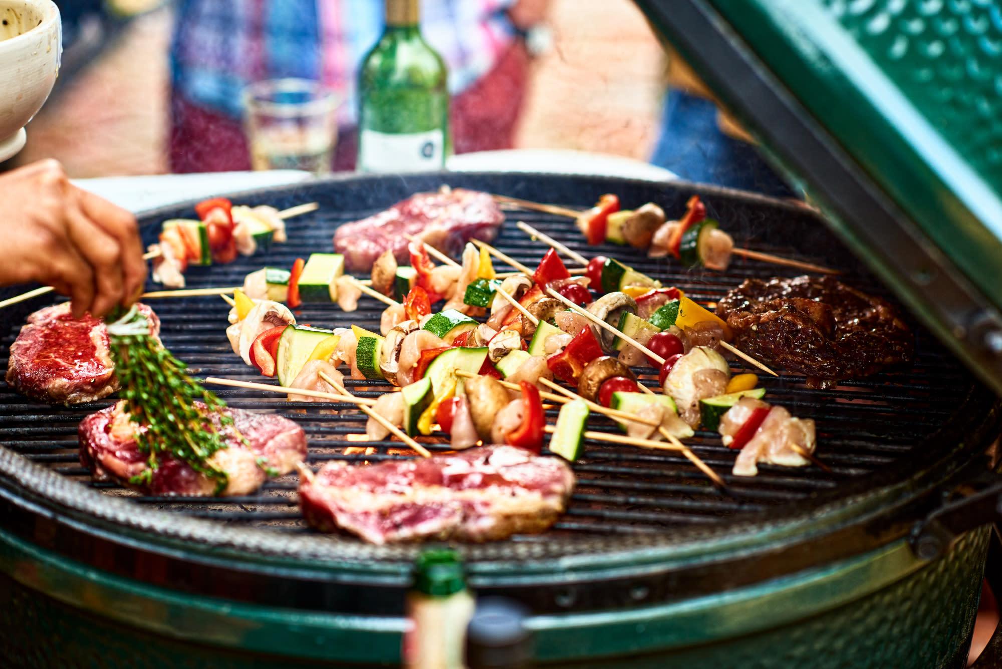 Barbecue Ou Plancha Que Choisir À gaz, électrique ou à charbon : quel barbecue choisir ?