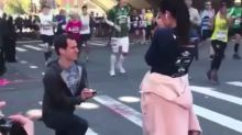 Man's proposal to girlfriend mid-marathon has social media up in arms