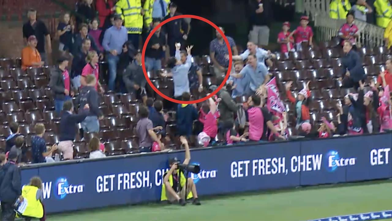 'Screamer': Cricket legends stunned after 'best ever' crowd catch