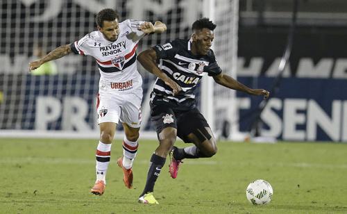 São Paulo precisa vencer clássico contra Corinthians para não correr riscos no Paulistão; veja prognósticos