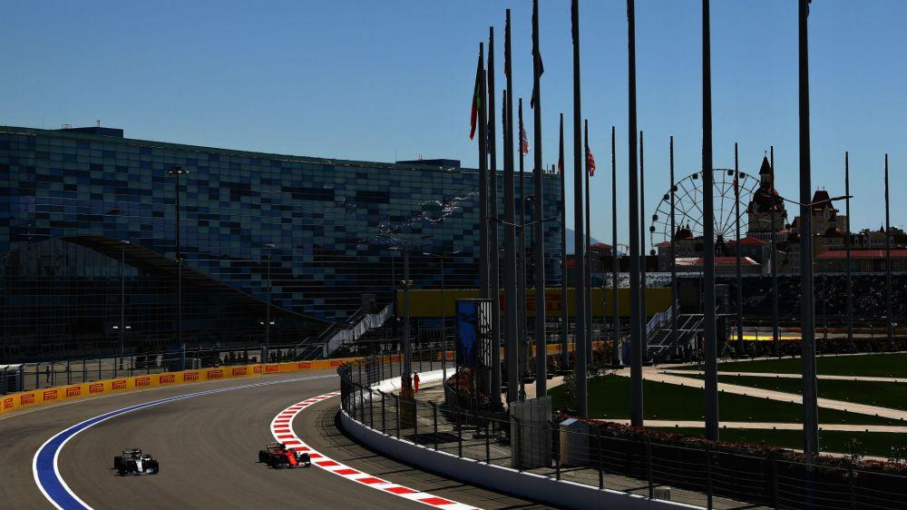 F1 Raceweek: Vettel wary of Mercedes despite Ferrari strength