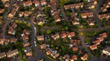 London House Prices Fall in Stark Division With Rest of U.K.