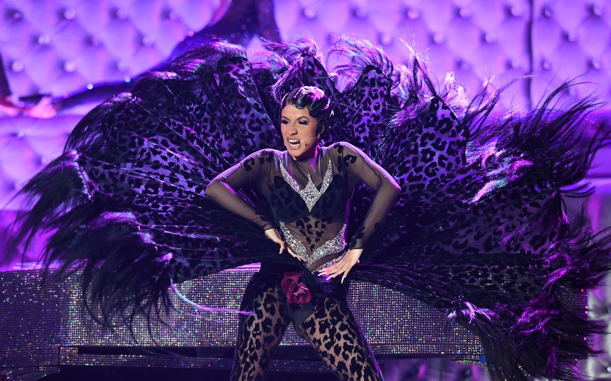 "Cardi B Performing: Cardi B Proves She Was Definitely ""Born To Flex"" During"