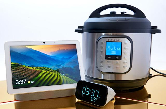 Smart home gadgets and kitchen tech that make great gifts