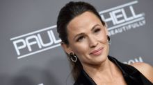 Jennifer Garner Has Become a Board Game Pro During Quarantine