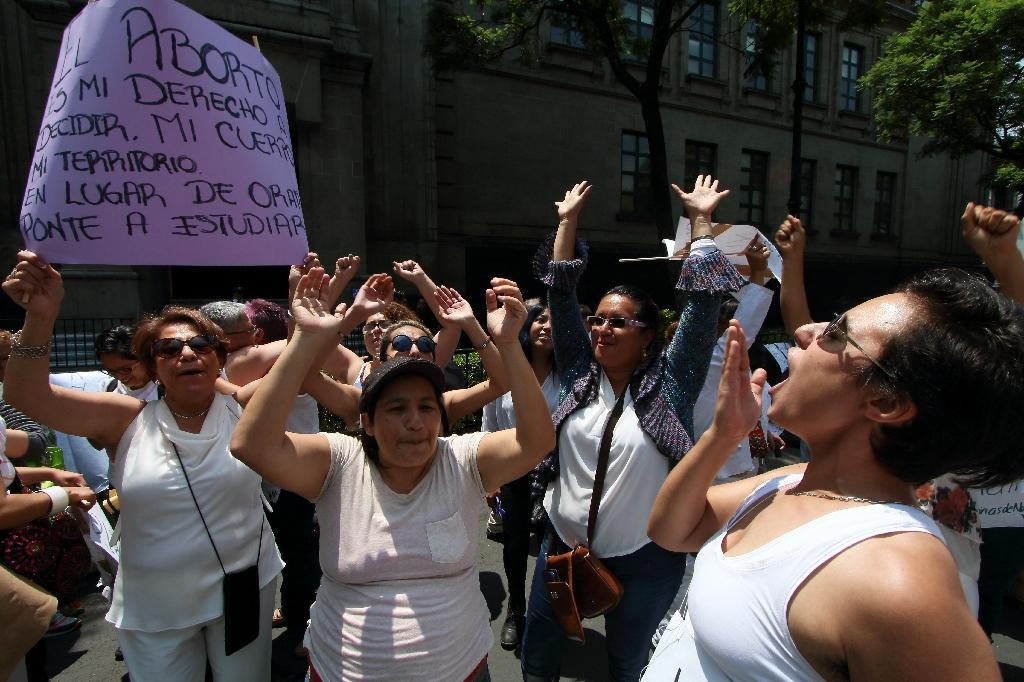 Women demonstrate in favour of abortion as the Supreme Court in Mexico City debates a proposal to declare as unconstitutional two laws that either ban or limit abortion