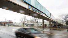 Canada opens probe into 250,000 GM pickups, SUVs over brake performance