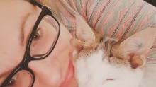 Francisco: El gato con cuatro orejas y un ojo se vuelve viral