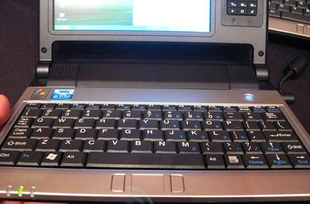 Hands-on with the Packard Bell EasyNote XS / Nanobook