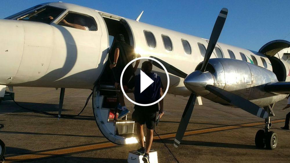 VIDEO: Al avión de Racing se le abrió la puerta en pleno despegue