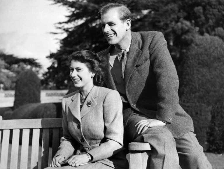 La Reina Isabel Ii Y El Principe Felipe Celebran Su 70º Aniversario De Boda