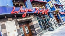 Everyone's 'a little teary-eyed,' manager says as Wayne Gretzky's Toronto serves its final customers