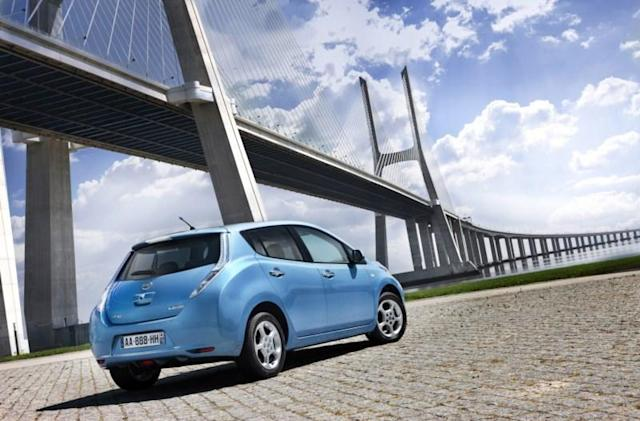 Range anxiety gets real: Nissan Leaf drivers run out of juice on the road
