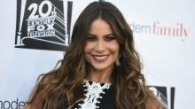 Atriz de 'Modern Family' posa com araras amarradas e é criticada por fãs