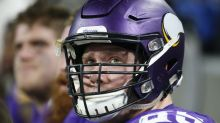 Vikings put Pat Elflein on injured reserve, further juggling offensive line