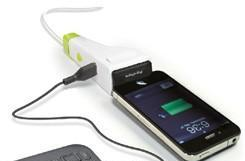 Idapt's i1 Eco universal charger keeps it lean, mean, and definitely green