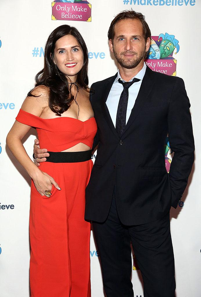 Josh Lucas and Ex-Wife Hit Red Carpet for First Time Since