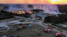 Côte-d'Or : le feu qui a embrasé une exploitation agricole, près de Dijon est circonscrit