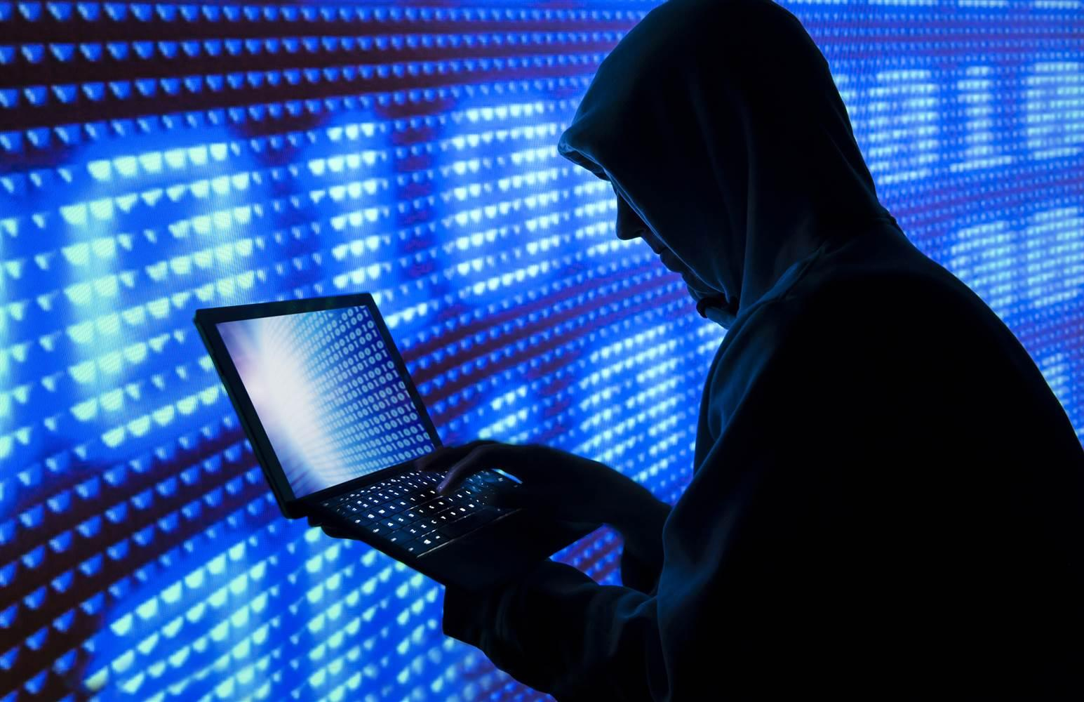 Hacker Infiltrates 10,000 Websites on Dark Web