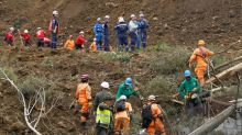 Mudslide kills at least seven on Colombian highway