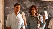 Watch: Akshay Kumar Plays Prankster on the Sets of 'Padman'