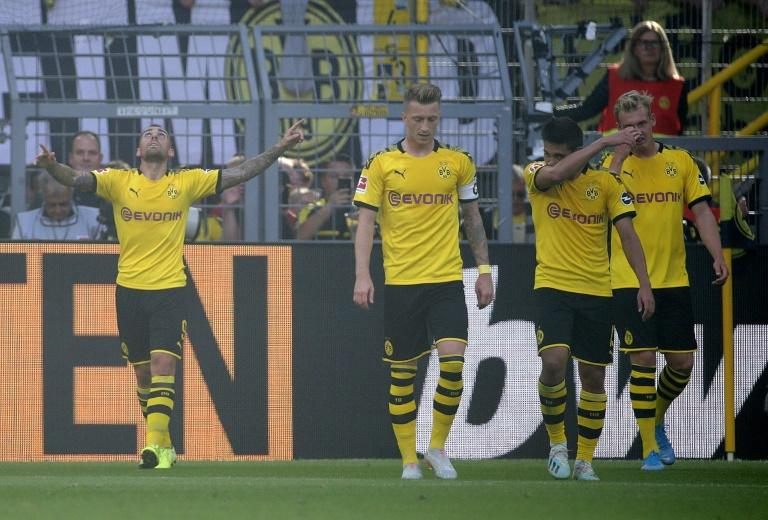 Paco Alcacer scored his seventh goal of the season to help Borussia Dortmund to a 4-0 win over Leverkusen (AFP Photo/Hasan BRATIC)