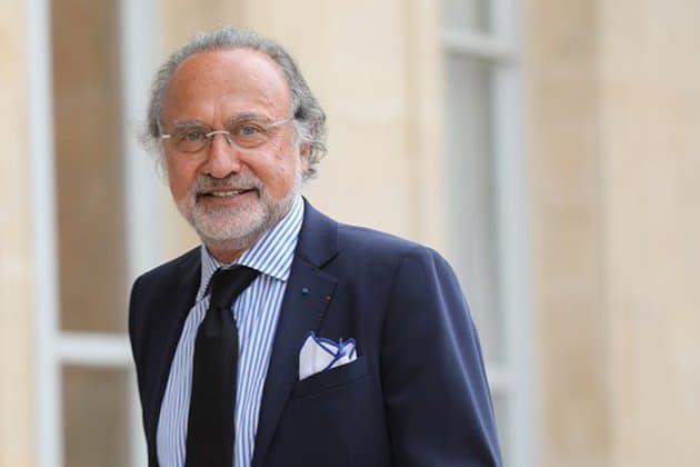 """Mort d'Olivier Dassault: Emmanuel Macron salue un homme """"qui aimait la France"""""""