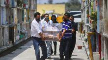 México suma 60,800 decesos por coronavirus, más de 563,000 contagios