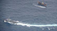 Armada de Ecuador vigila gran flota pesquera china cerca de Islas Galápagos