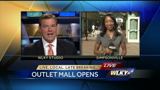 Shoppers pack Outlet Shoppes of the Bluegrass for grand opening