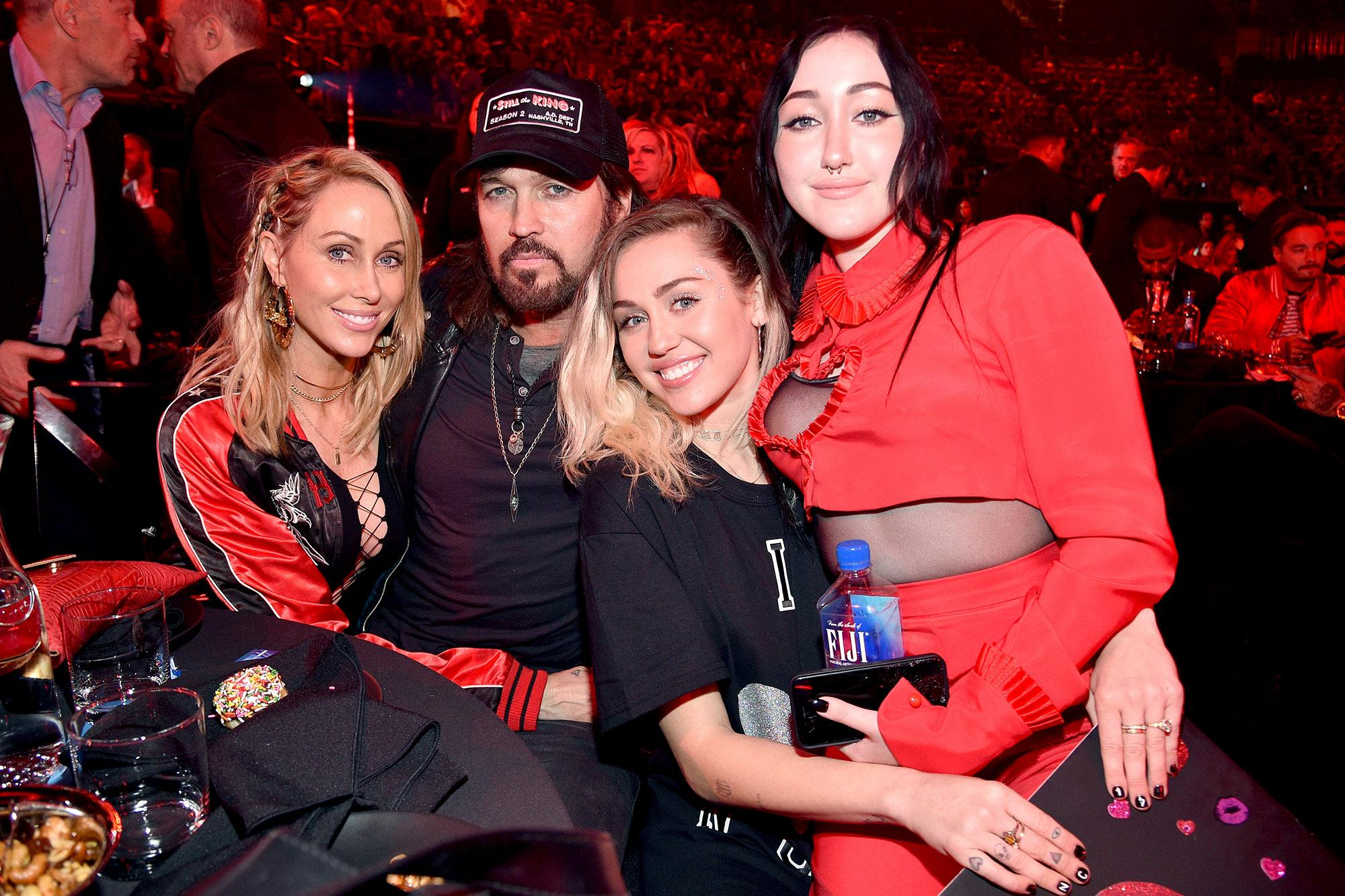 Miley Cyrus Supports Sister Noah With Family At Iheartradio Music Awards She S Who I Want To Be When I Grow Up