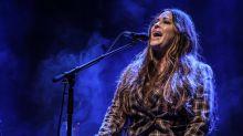 """""""Quase todas as mulheres da música foram assediadas e estupradas"""", desabafa Alanis Morissette"""
