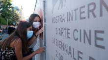 Mostra mit Maske: In Venedig haben die 77. Filmfestspiele eröffnet