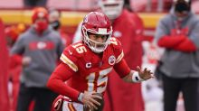 Patrick Mahomes gets up slow and unsteady after hard hit on an option run, ruled out with concussion