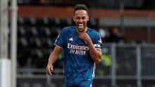 Aubameyang anuncia que vai permanecer no Arsenal