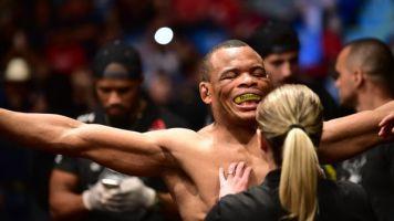 """'Massaranduba' reclama de derrota e faz apelo para Dana White: """"Mereço bônus da vitória"""""""